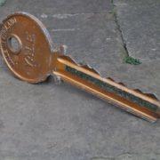 Locksmith's trade sign