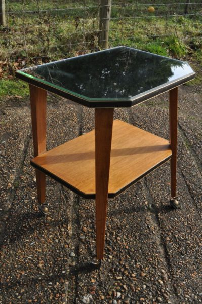 Mirrored drinks table