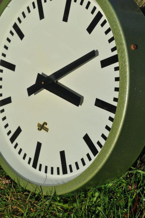 Continental clock