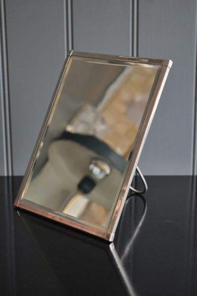 Deco travel mirror