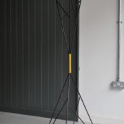 Atom coat stand