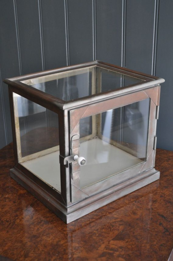 table top vitrine