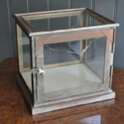 table top vitrine