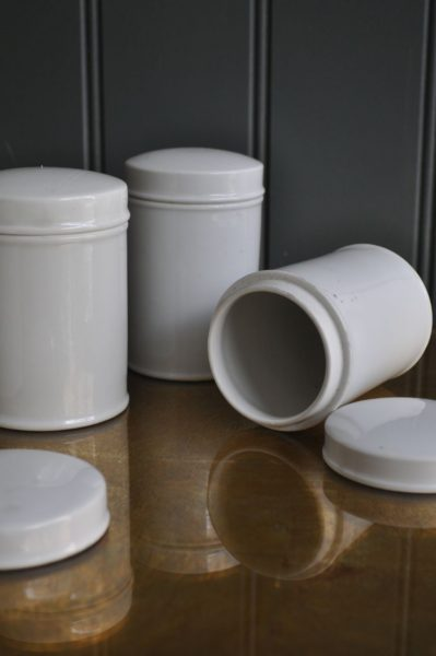 German apothecary pot