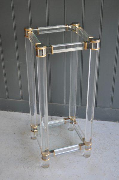 Italian acrylic stand