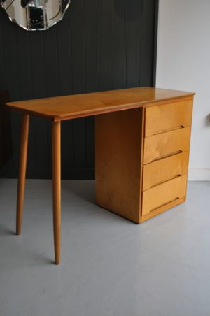 Simple ply desk