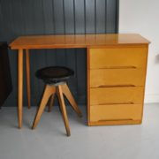 Simple ply desk
