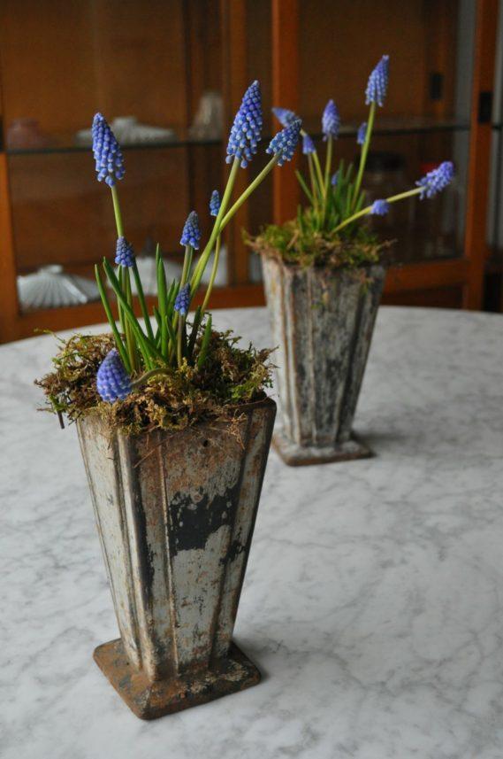 Pair deco planters