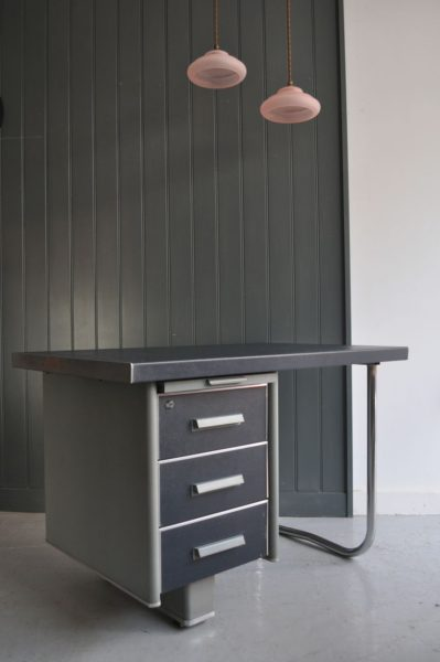 Compact French desk