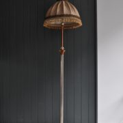 Telescopic floor lamp
