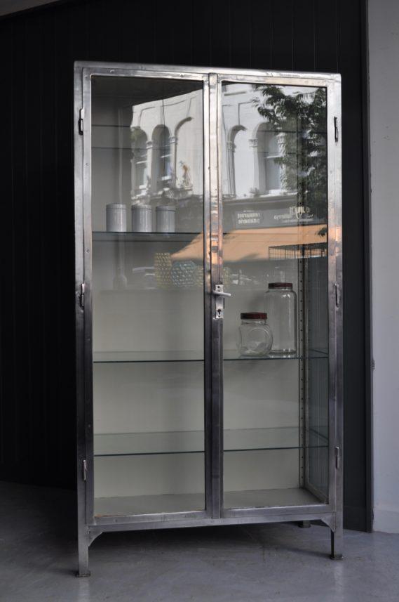 Glazed medical cabinet