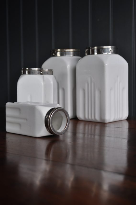 Deco canisters