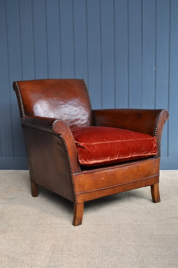 Compact French leather armchair